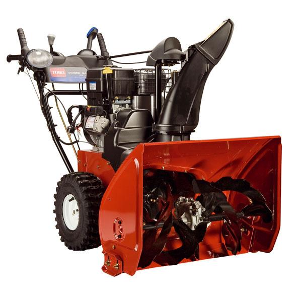 Dvojstupňová snehová fréza PowerMax 1128OXE od firmy Toro so štvortaktným benzínovým motorom Briggs&Stratton Snow Series Max 1550. Objem nádrže 3litre, záber 71 cm, vzdialenosť odhodeného snehu 14m, hmota odhádzaného snehu 998 kg/min. Ovládanie smeru ohadzovaného snehu zmiesta obsluhy systém Quick Stick, štartovanie šnúrou, vypnutie uzávierky diferenciálu – systém Free Wheel, výkonný svetlomet. Cena 3 180 €. Predáva Mountfield.