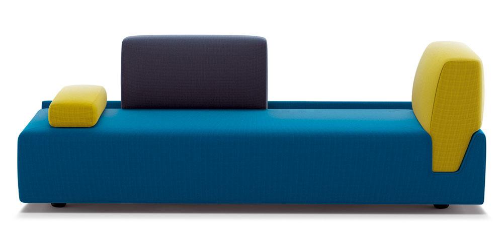 Aurelien Barbra, francúzsky návrhár pôsobiaci v Kodani, navrhol pre značku COR farebne a tvarovo variabilnú sofu Fossa. Tá sa môže meniť z lehátka na pohovku alebo vytvarovať do podoby rohového sedenia. Vankúše a opierky (aj odlišnou farebnosťou) zdôrazňujú svoju nezávislosť a možnosť meniť nielen vlastnú polohu, ale aj funkciu sofy Fossa.