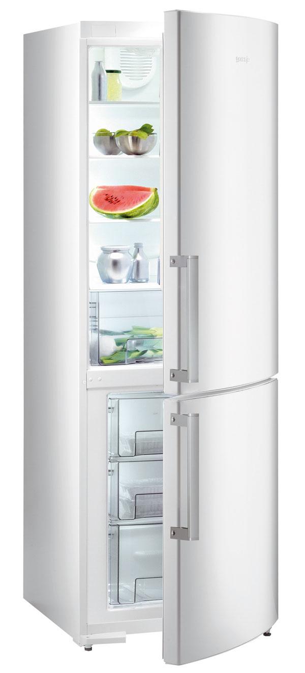 Kombinovaná chladnička Gorenje NRK 6182 MW. Energetická trieda A++.  Spotreba energie 319 kWh/rok (0,87 kWh/deň). Objem 307 litrov (199/75), hlučnosť 42 dB. LED displej, multiflow chladenie, beznámrazová technológioa NO FROST, funkcia rýchle chladenie/mrazenie sautomatickým vypnutím, signál otvorených dvierok, 1 kompresor selektroventilom, smožnosťou vypnutia chladiacej časti. Samozatvárací pánt dverí. Biela sPURE rukoväťou. Cena 999 €.
