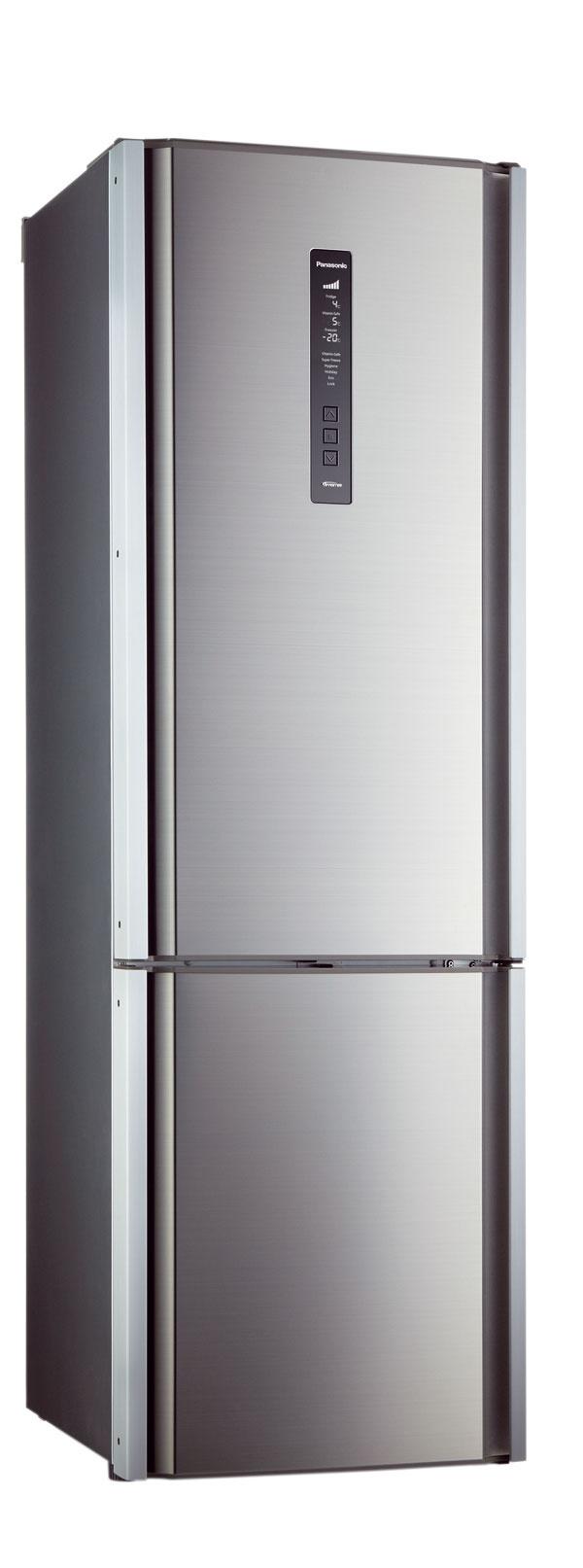 Chladnička Panasonic NR-B32FX2. Energetická trieda A++, spotreba 249 kWh/rok, objem 315 litrov (225/90), hlučnosť 36 dB. Motor stechnológiou Inverter, izolácia stien zo stlačeného polyuretánu, ktorý umožňuje efektívnu izoláciu aj napriek minimálnej hrúbke stien. Fresh zóna (6  až 0 stupňov) vhodná na mäso, ryby asyry, Vitaminsafe na ovocie azeleninu (možnosť nastavenie 5 až 0 stupňov avyššia vlhkosť), blikajúce LED diódy vpriehradke pomáhajú uchovať vitamíny čo najdlhšie, systém Hygiene Active, ktorý pomocou modrého LED svetla aktivuje čiastočky striebra na povrchu filtra, atým ničí až 99,9 % baktérií, rovnomerná cirkulácia vzduchu. Cena 1 299 €.