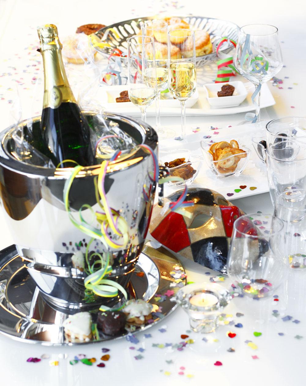 Chladič na šampanské apodnos Jett zantikora od firmy WMF. Cena 99 € a30 €. Predáva Villeroy & Boch, Atrium.