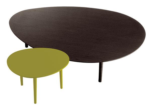Konferenčný stolík Pond od firmy Jesse, matný lak, priemer 42,8 cm, výška 52,5 cm. Cena od 480 €. Predáva Galan