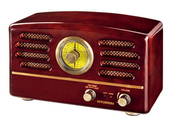 Naozaj štýlové rádio. Ak vás fascinuje retro vakejkoľvek podobe, určite vás zaujme krása starých rádií doplnená najmodernejšími technológiami. Rádio Hyundai RA 202, cena 41 €, www.electroworld.sk