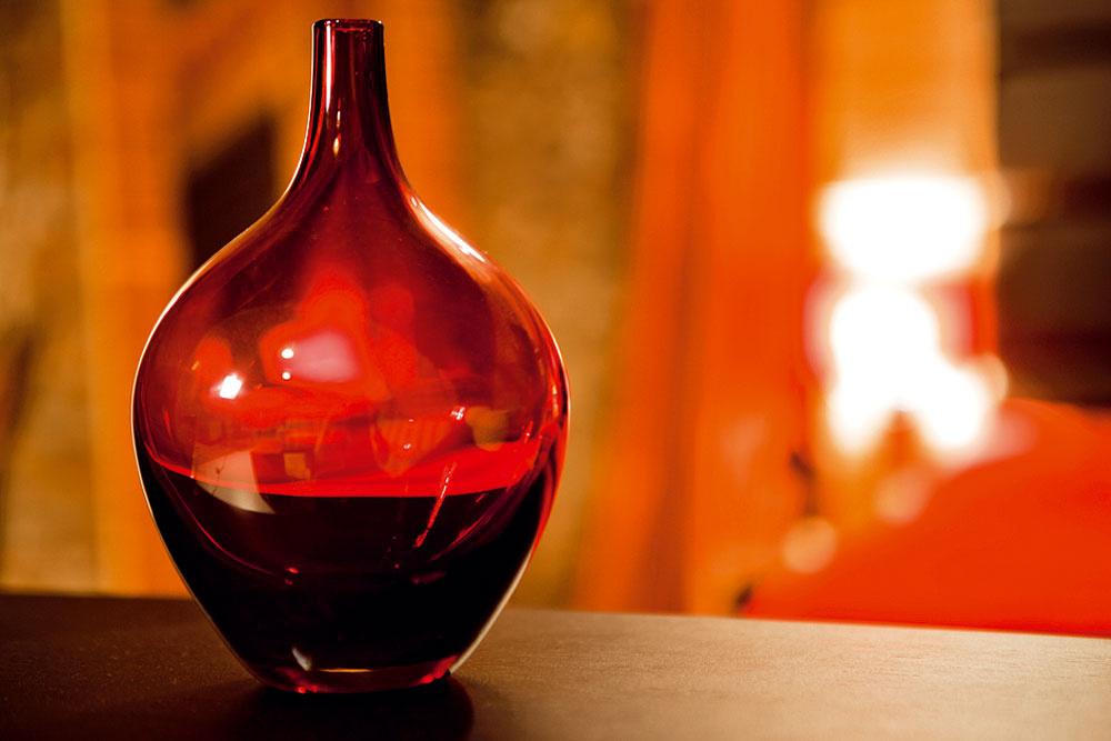 Váza Salong zručne fúkaného skla, cena 6,99 €, IKEA a.s.