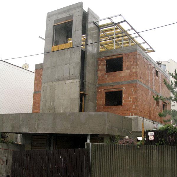 Kto vám postaví dom? alebo Ako si vybrať stavebnú firmu