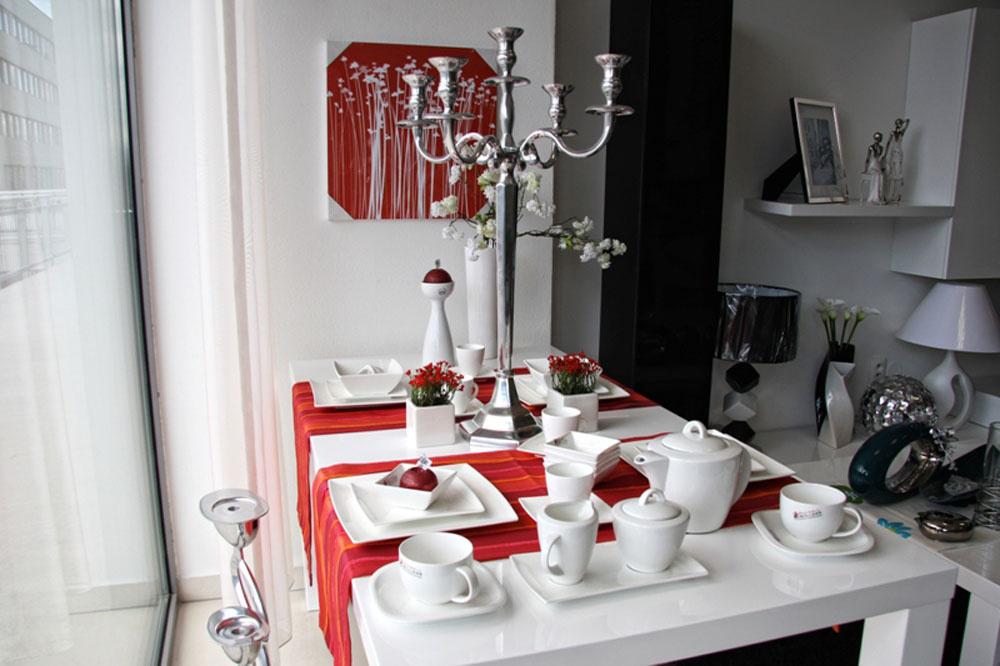 Predajňa Interiérového štúdia Styldesign v Trnave ponúka široký sortiment bytových doplnkov a dekorácií. Nájdete tam vázy, kvetináče, stolové dekorácie ale aj bytový textil.