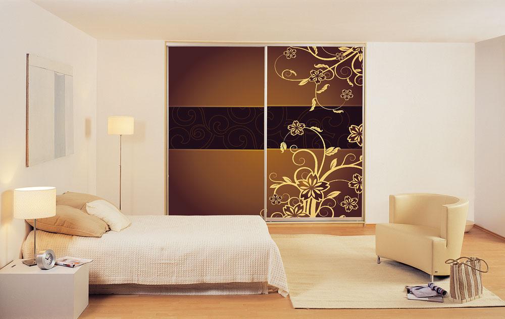 Od steny kstene, od podlahy po strop – vstavané skrine majú vúcte každý štvorcový centimeter.