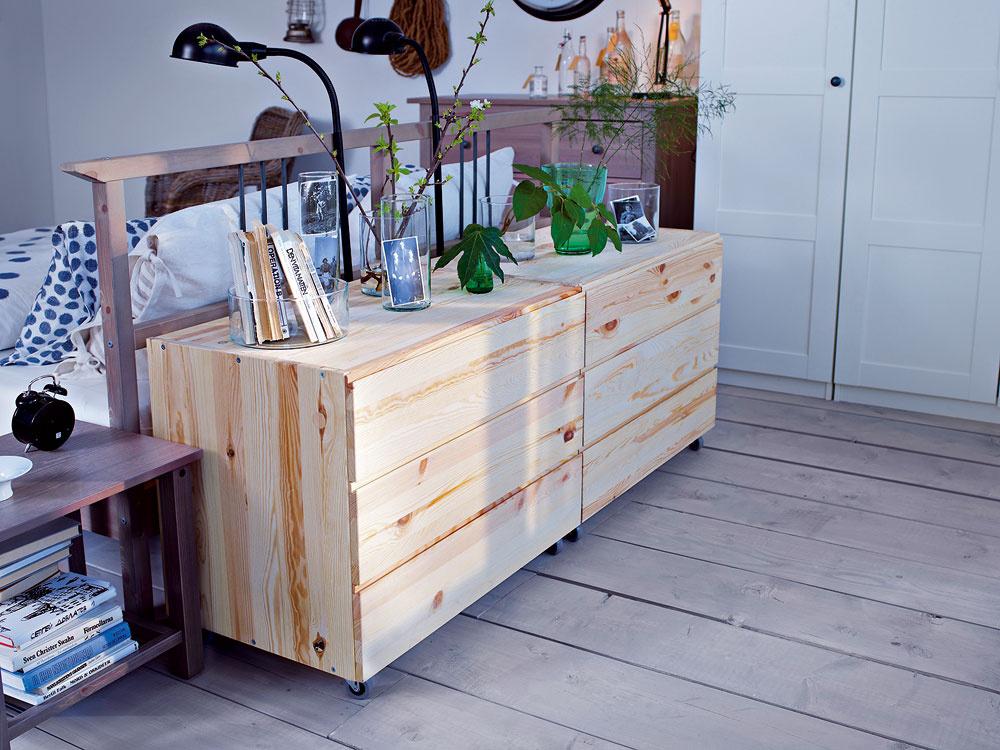 Skrinka Ivar s 3 zásuvkami, neupravené masívne borovicové drevo, ktoré možno natrieť alebo naolejovať, 75 €, Ikea