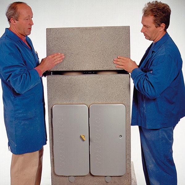 Položte tvárnicu. Styčné plochy očistite od prachu avprípade vyšších teplôt dostatočne navlhčite.
