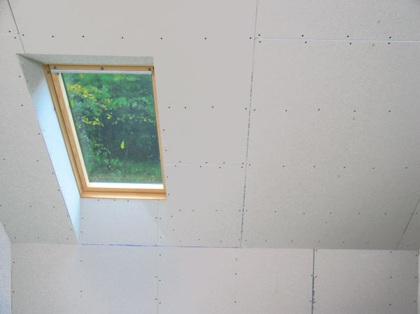 Nekúrte holubom na streche