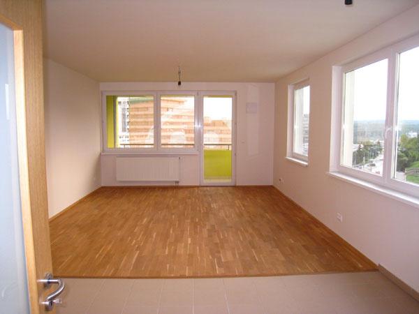 Keď budúca majiteľka rokovala sdeveloperom okúpe, vyzeral byt takto. Bol čas zavolať si na pomoc dizajnéra.