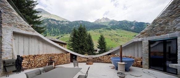 Švajčiarsky domček v Alpách