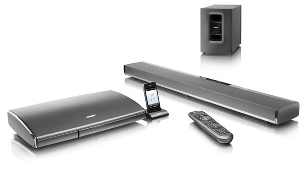 Prvý systém typu soundbar. Systém domácej zábavy Lifestyle® 135 adigitálny reproduktorový systém pre domáce kino CineMate® 1 SR od spoločnosti Bose zahŕňa mediálnu konzolu na šesť zdrojov HD signálu (so štyrmi vstupmi HDMI), AM/FM tuner akolísku na iPod alebo iPhone. Jediným káblom sa pripája priamo kTV prijímaču. Kobom systémom je priložený programovateľný diaľkový ovládač, ktorý ovláda systém aprakticky akýkoľvek pripojený zdroj signálu – od prehrávača Blu-ray diskov až po satelitný prijímač. Predáva Basys.