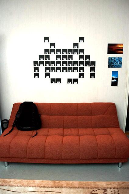 10 trikov ako ozdobiť prázdne steny