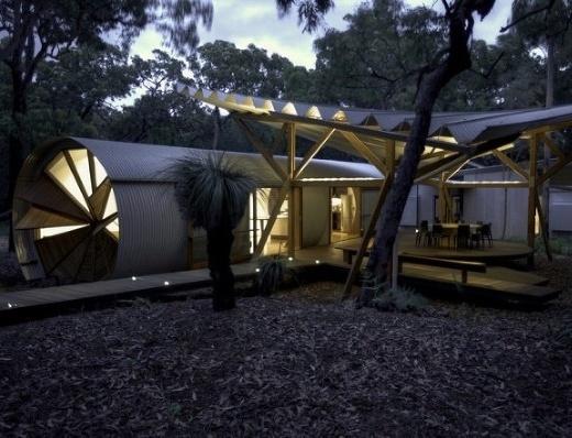Netradičný víkendový dom v tvare lietadla