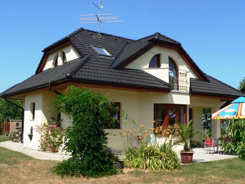 Spoľahlivá strecha za ceny z vlaňajška? Iba s tradičnou krytinou KM BETA!