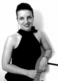 Vizitka architektky Ing. arch. KatarínaBolešová  katarina.bolesova@gmail.com www.interierandmore.com 0907 247962  Katarína Bolešová sa venuje navrhovaniu arealizáciám interiérov od roku 2004. Je absolventkou FA STU vBratislave, odbor architektúra aurbanizmus. Svoju profesionálnu kariéru začala vspoločnosti Komandor vBratislave, kde ako firemný architekt vypracovala stovky projektov interiérov. Momentálne tvorí pod značkou interier&more.