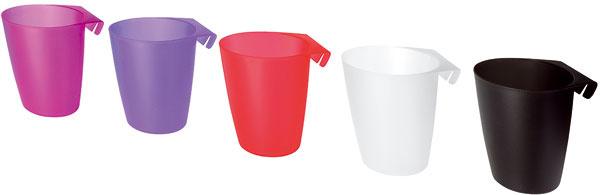 Plastové kontajnery Bygel v rôznych farbách sa dajú zavesiť na koľajničku Bygel alebo priamo na stenu, čím ušetria miesto na pracovnej doske. Vhodné na rôzne kuchynské náčinie alebo aj na kvety. Cena 0,49 €/ks.