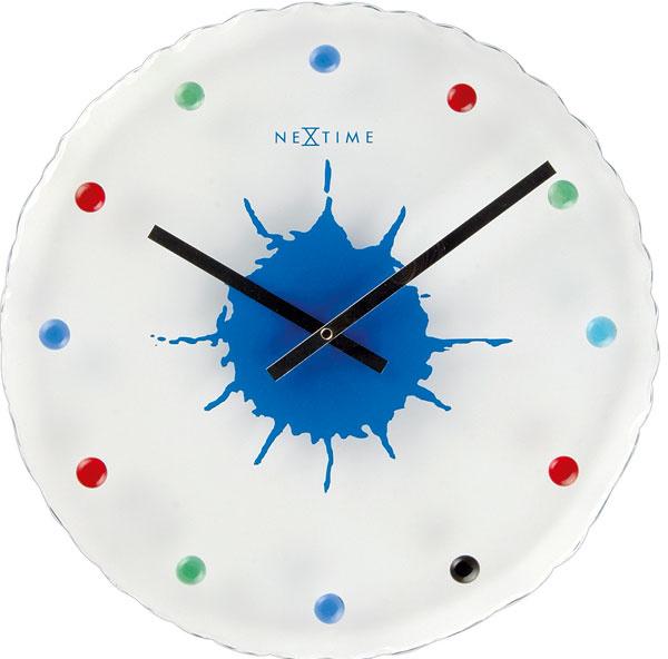 Veselé nástenné hodiny od firmy Nextime. Cena od 69 €. Predáva Design House.