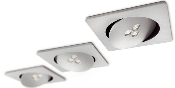 Najmä vdlhších aúzkych chodbách nie je centrálne osvetlenie na strope to pravé orechové. Ak nie ste prívržencom pomalej šmátrajúcej chôdze srukami vpred, je lepšie vymeniť svetelné ohnisko za niekoľko iskričiek smožnosťou nastaviť smer lúčov.