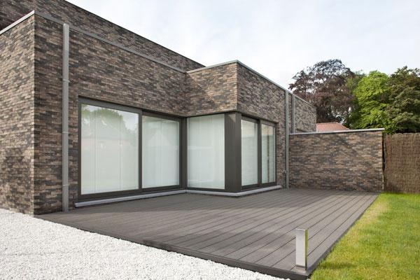 Využite časovo obmedzenú 10% zľavu na obstaranie terasového systému Twinson. Môžete tak výhodne získať materiál ideálny aj na obloženie záhradného bazénu.