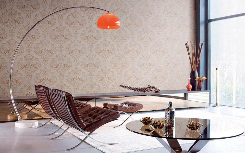 Novú, zaujímavú cestu vzariaďovaní moderného priestoru ponúka kombinácia textilných tapiet sklasickým plným ornamentálnym vzorom, prevzatým zhistorických interiérov, sjednoduchým, až minimalistickým zariadením.