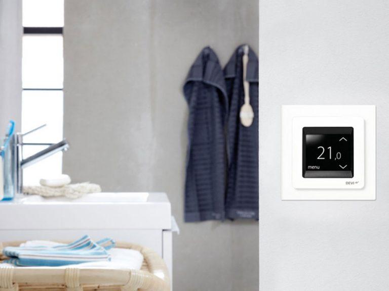 Vymeňte starý termostat za nový s dotykovým displejom