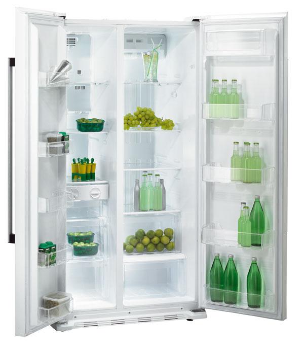 Americká chladnička Gorenje NRS 85728 W s technológiou No Frost vchladiacej aj vmraziacej časti, ovládanie cez dotykový LCD displej, objem chladničky 345 l soddelením Zero Fresh na čerstvé potraviny. Zvukový signál upozorní na otvorené dvere. Objem mraziacej časti 192 l, Twist výrobník ľadu. Ročná spotreba el. energie 445 kWh. Energetická trieda A+. Cena 1 399 €.