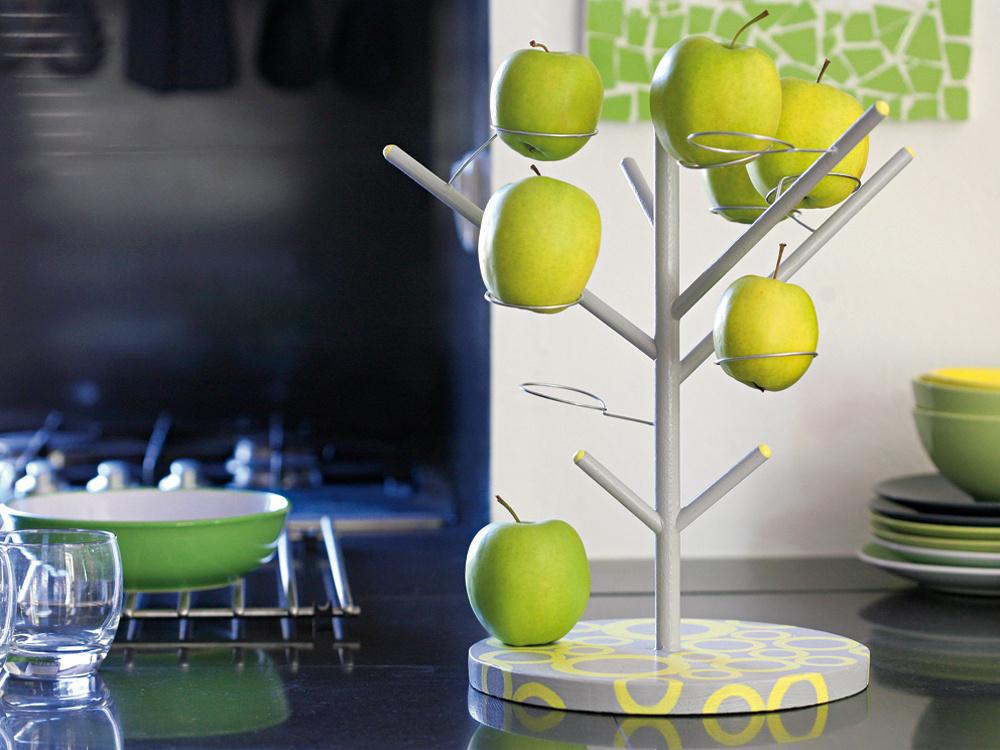 Netradičný stromček si môžete vyrobiť na rôzne druhy ovocia, treba však tomu prispôsobiť hrúbku atvar použitých materiálov.