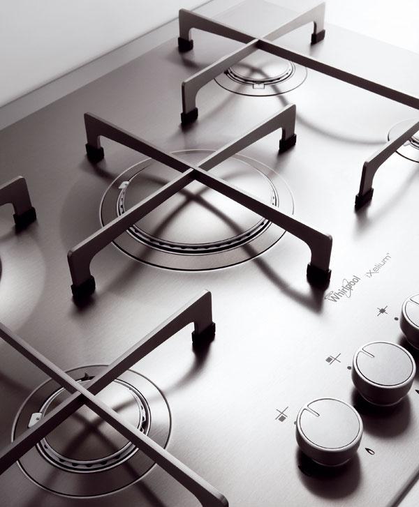 Nanobariéra Inovatívne ošetrenie iXeliumTM  sa prostredníctvom nanotechnológie nanesie na hladký kovový povrch rúr, odsávačov pár, mikrovlnných rúr či chladničiek. Funguje ako bariéra proti chemickému aj mechanickému poškodeniu. Lesklý kovový vzhľad spotrebičov sa vďaka tomu nikdy nezmení.