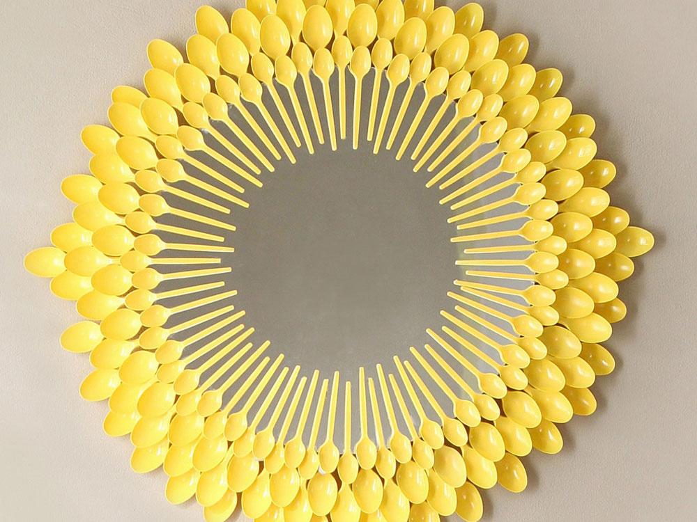 Ako si z plastových lyžičiek vyrobíte slnečné zrkadlo
