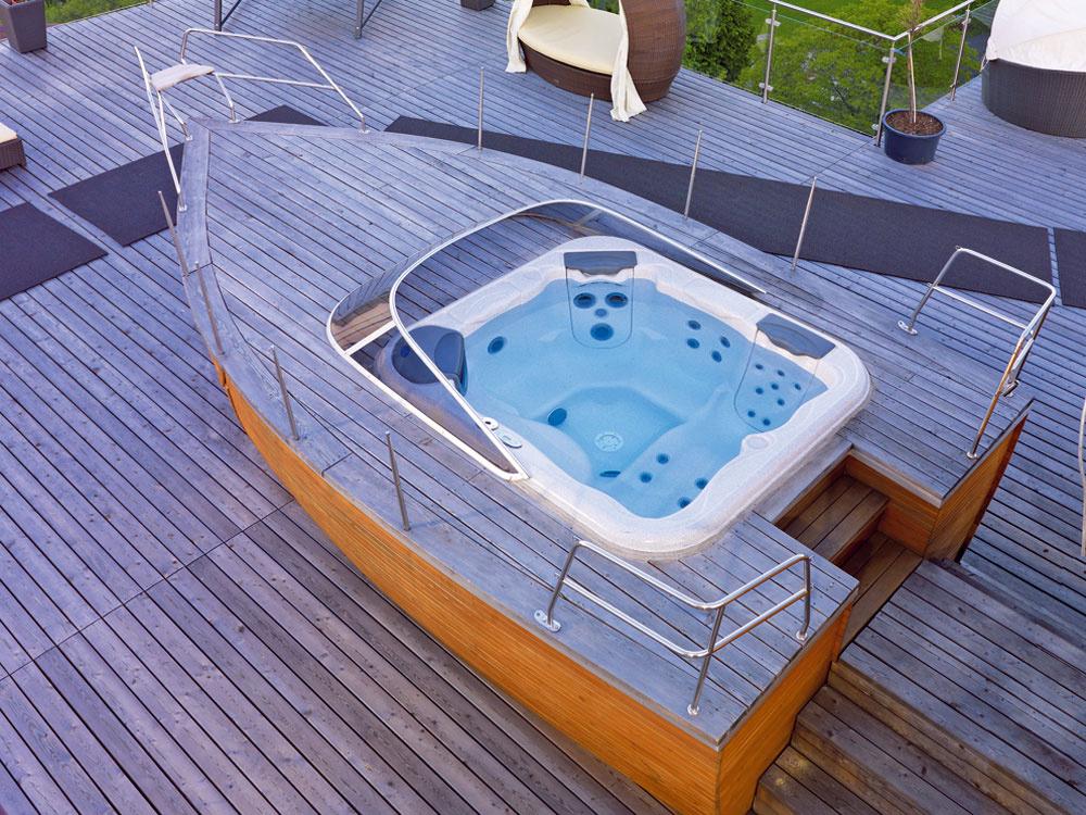 Príjemný relax v záhrade v masážnom bazéne