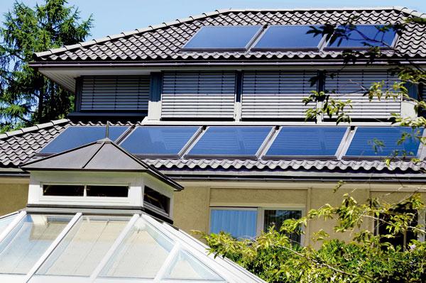Vsúčasnosti je podpora obnoviteľných zdrojov energie zo strany štátu nedostatočná. Poskytovanie dotácií na kúpu solárnych systémov sa pozastavilo aich opätovné spustenie je zatiaľ vnedohľadne. Ak si do konca roka užívateľ zaobstará niektorú zo solárnych zostáv značky Vaillant, firma mu dotáciu poskytne. Na každý plochý solárny kolektor sa vzťahuje dotácia vo výške 200 €, na kúpu každého trubicového solárneho kolektora získate dotáciu 400 €. Pri kúpe Solárnej zostavy 3 spiatimi trubicovými kolektormi sa môžete tešiť zdotácie vo výške až 2 000 €. Vaillant poskytuje dotácie na solárne systémy okamžite, ato bez dlhého čakania abez žiadosti.