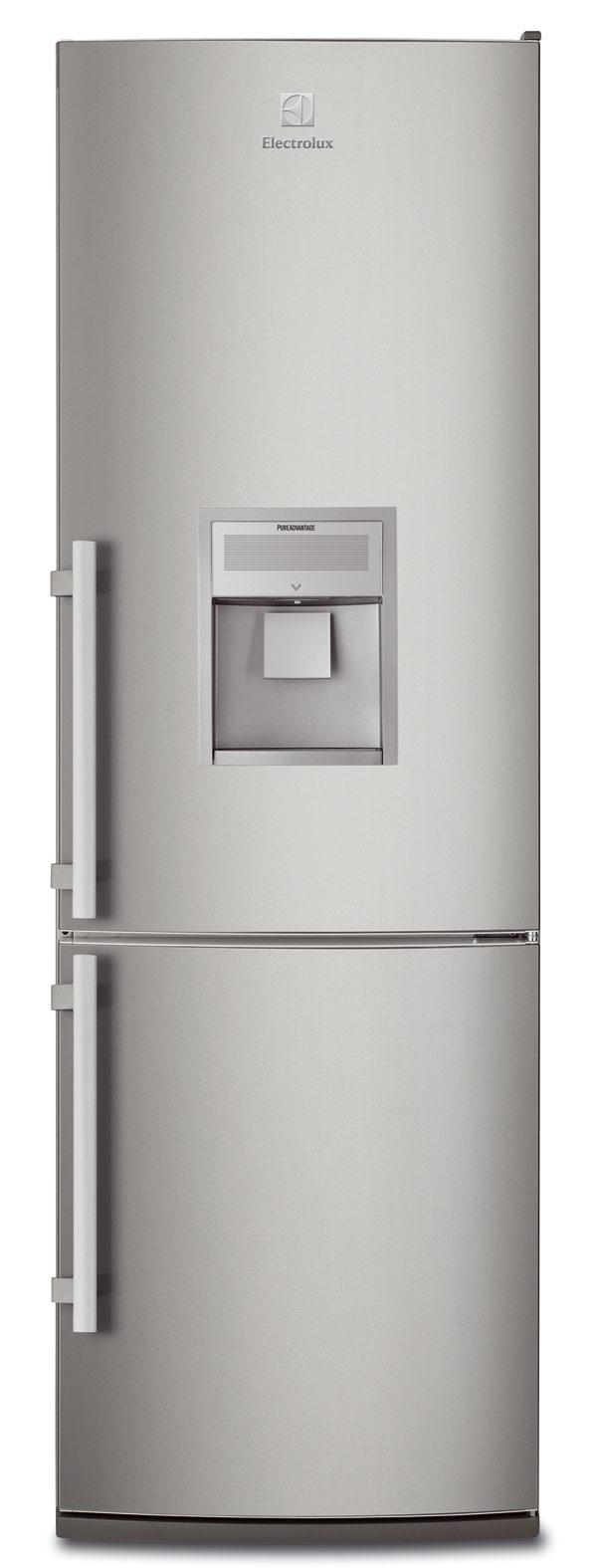 Kombinovaná chladnička smrazničkou Elektrolux EN3850DOX stechnológiou FreshFrostFree uchová potraviny vchladničke čerstvé vďaka správnej vlhkosti vo vnútri spotrebiča. Milovníkov čerstvej vody poteší aj zásobník sBrita filtrom priamo vo dvierkach spotrebiča. Antikorové vyhotovenie chladničky, ktoré chráni jej povrch proti odtlačkom prstov, adispej selektronickým ovládaním na dvierkach sú ďalšími prednosťami chladničky venergetickej triede A+.  Cena 869 €.