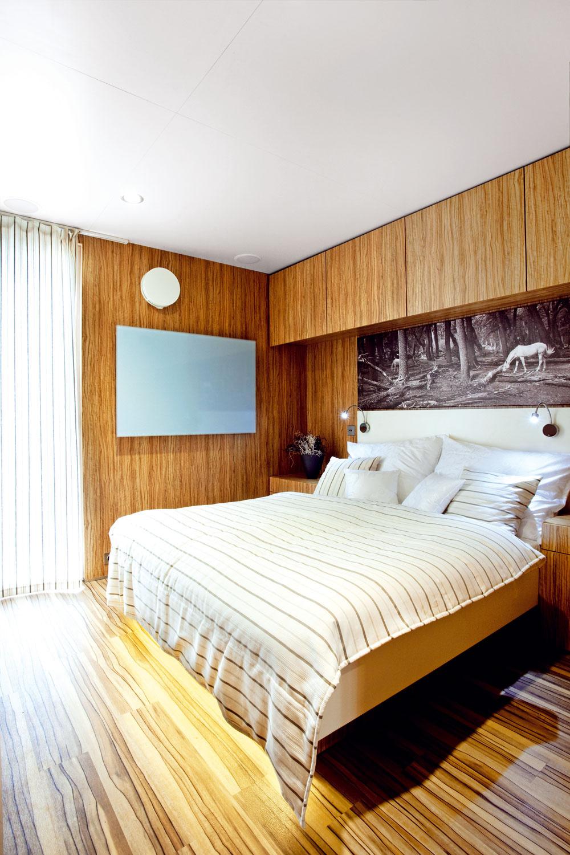 Štandardnou súčasťou freedomčekov sú kvalitné drevené eurookná advere smikroventiláciou, LED diódové svietidlá, vykurovanie aďalšie komponenty.