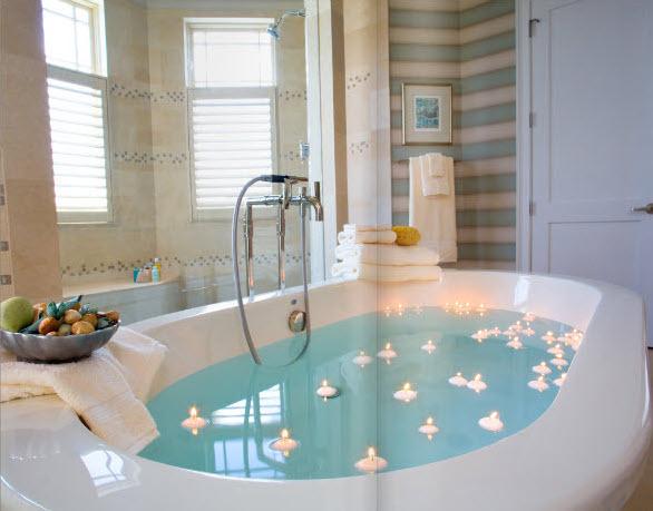 Luxusná kúpeľňa so sviečkami