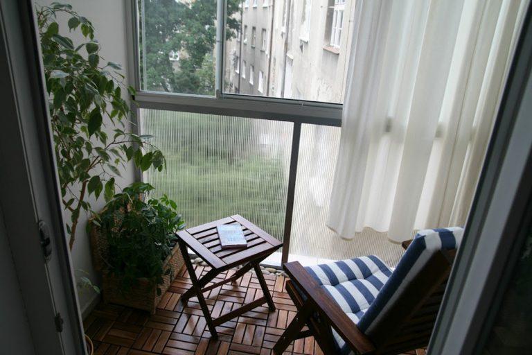 VÁŠ TIP: Útulná premena malého balkóna v bytovke
