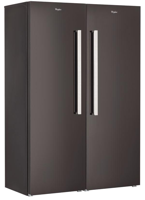 Firma Whirlpool prináša na trh nové voľne stojace chladničky amrazničky, ktoré je možné prakticky skombinovať avytvoriť tak akúsi americkú chladničku na slovenský spôsob. Takáto kombinácia poskytuje oproti klasickým dvojdverovým chladničkám oveľa väčšiu kapacitu. Modely prešli aj dizajnovou úpravou adostali novú povrchovú úpravu Technosteel. Chladnička WME 1887 DFC TS vantikorovom vyhotovení (cena 647 €) aWME 1869 DFC N včiernej farbe poskytujú kapacitu 374 litrov. Antikorová mraznička WVE 1883 NF TS (cena 779 €) či čierna WVE 1863 NF N majú kapacitu 228 litrov.