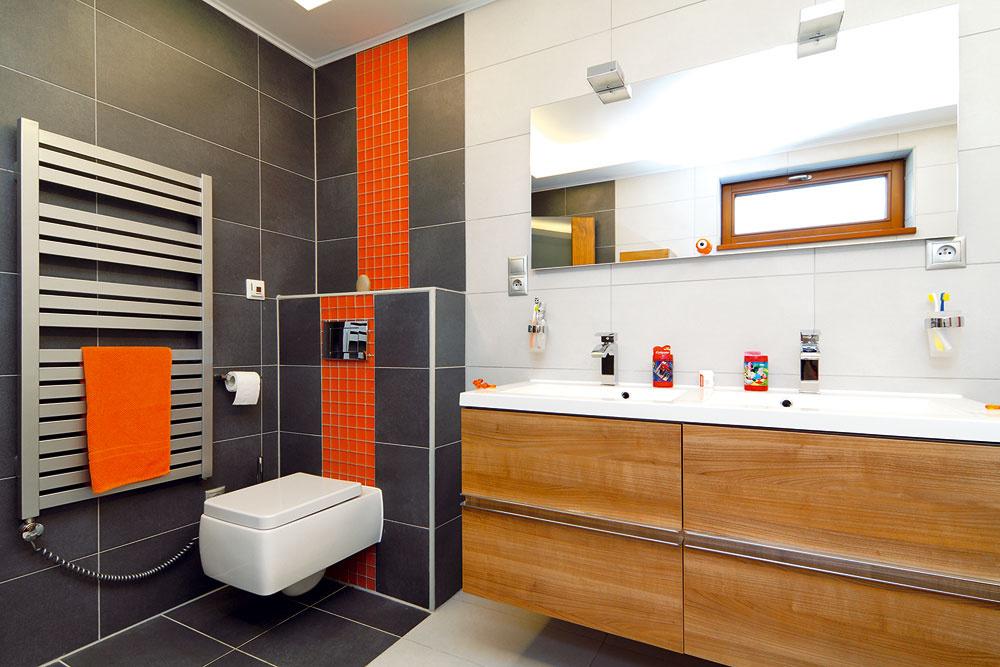 Investorom sa páčia veľké francúzske okná, ktoré sú vo všetkých miestnostiach. Výnimkou sú len kúpeľne.