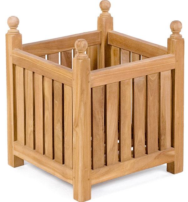 Na pestovanie drevín sú vhodné nádoby sväčším objemom. Aak vyzerajú príliš fádne, môžete ich zaodieť napríklad do tíku. Cena od39 €