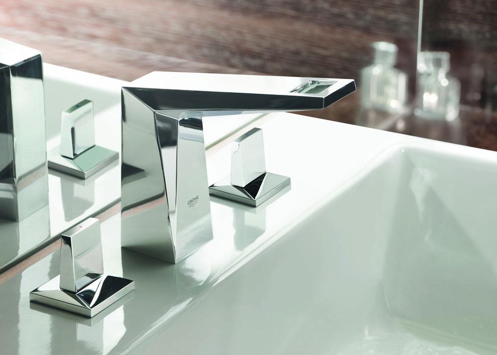 """Trojotvorová zmiešavacia batéria Allure Briliant 1/2"""" od firmy Grohe. Technológia EcoJoy® – menej vody, dobrý prietok. Cena 610 €."""