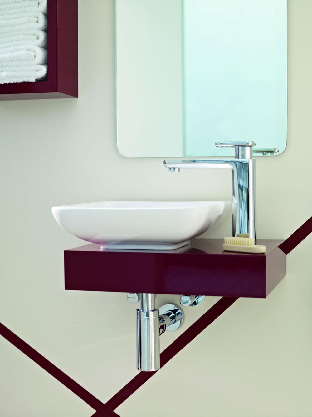 Novinkou vportfóliu Esprit home bath concept je umývadlo na dosku zvysokokvalitného porcelánu vsoft edge dizajne, dokonale zladené svysokou jednopákovou umývadlovou batériou Kludi spovrchom zo žiarivého chrómu. Cena batérie od 208 €. Predáva Kludi.