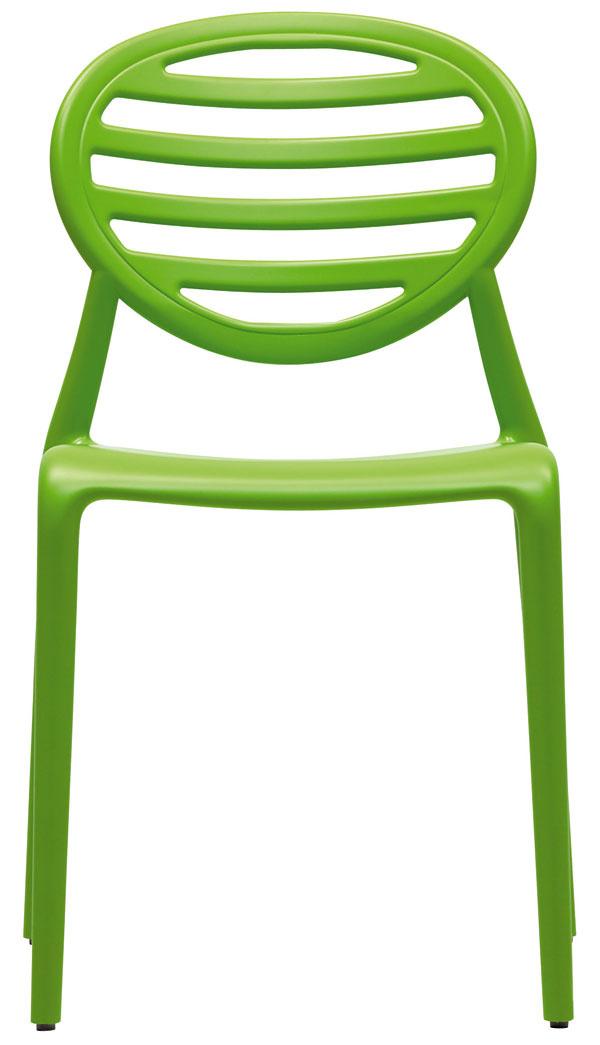 Plastová stolička snázvom Cokka. Rozmery: 86 × 49 cm (výška sedu – 46 cm). Cena: od 159 €.  Predáva: Design House.