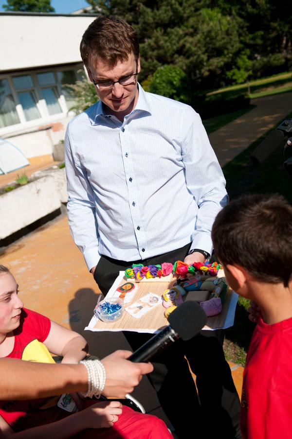 Z novej terasy sa tešili aj deti z detského domova