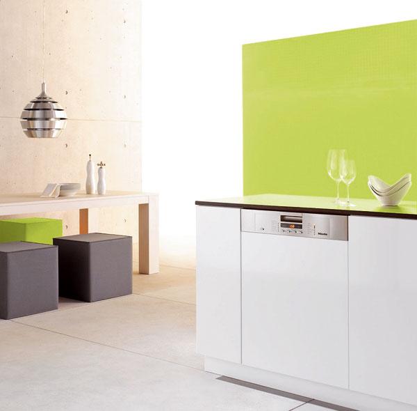 Vstavaná umývačka riadu Miele G 5405 SCi XXL, 14 súprav, výška 85 cm umožňuje zabudovať ju aj do kuchynských liniek so zvýšenou pracovnou doskou, energetická trieda A++, 1289 €