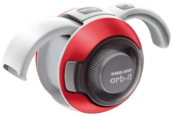 Po vytiahnutí rukoväte sa vyklopí dýza,čím sa Orbit premení na vysávač. Spotrebič sa nabíja na malom stojane, takže je po ruke apripravený na použitie. Výhodou sú tiež priehľadné dvierka, ktoré sa ľahko otvárajú. Nečistoty aprach cez ne dobre vidieť, takže je jasné, kedy treba vyprázdniť zásobník. Akumulátorový vysávač Black&Decker ORB 48 nájdete na mall.sk, cena 55 €.