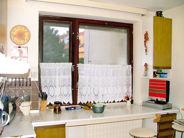 Takto vyzerala kuchyňa pani Svetlany predtým. Základná dispozícia ostala vpodstate rovnaká, vzhľad, usporiadanie aj vybavenie sú však dnes výrazne modernejšie.