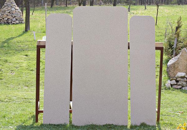 Nerovnosti po pílení môžete dorovnať plochým pilníkom alebo hrubším brúsnym papierom.
