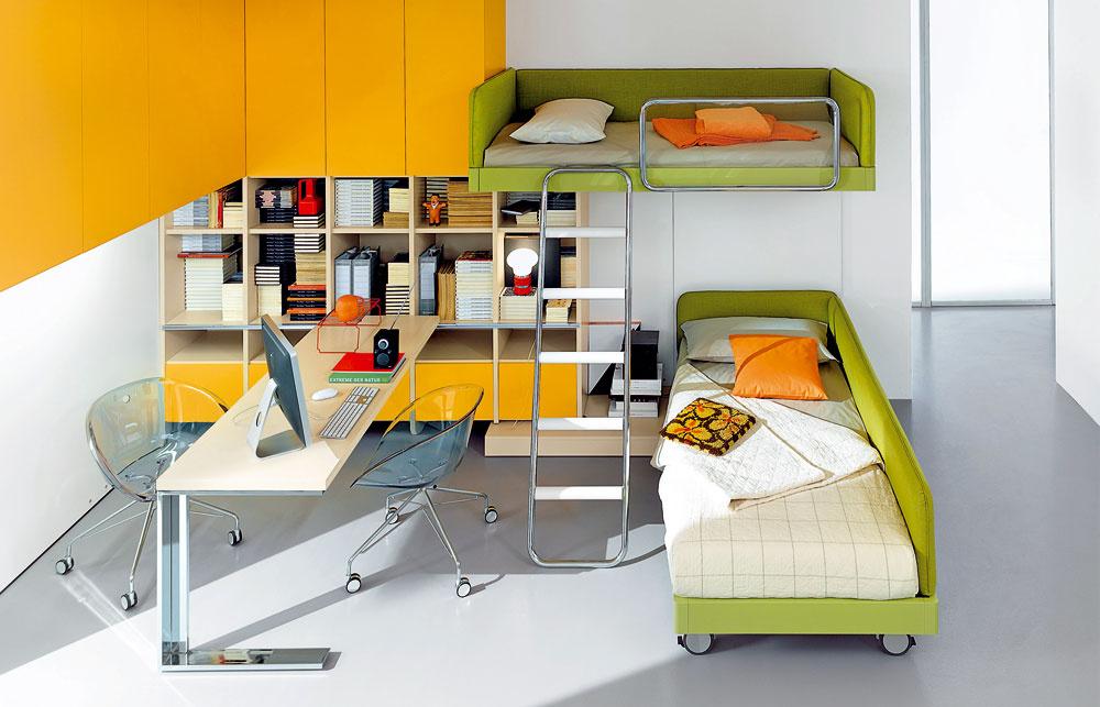 Ak máte dve (či tri) deti, ale len jednu izbu, môžete vnej ušetriť kopu miesta viacúrovňovými posteľami. Anemusí to byť len poschodová klasika. Rôznych možností zaujímavého výškové riešenia vkombinácii sodkladacími priestormi či pracovným stolom je naozaj neúrekom.