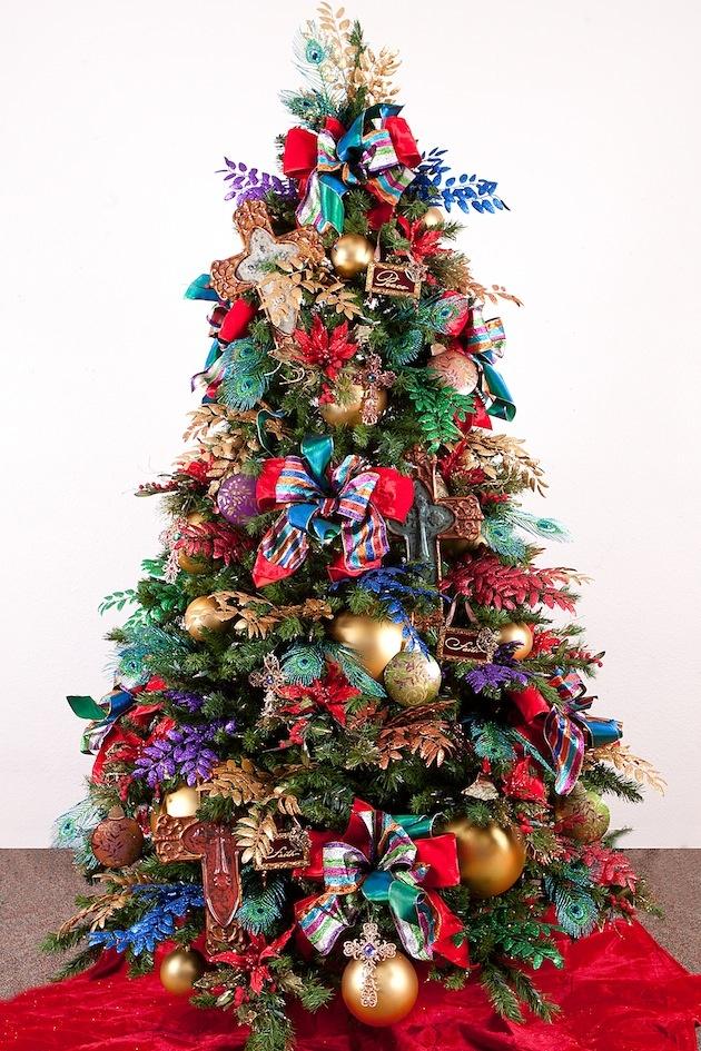 Ak ste veriaci, ozdobte si stromček symbolmi kríža. Našli ste si medzi týmito kúzelnými stromčekami ten svoj?